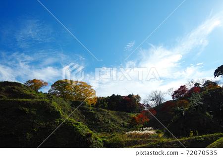 Gassantoda Castle Ruins in Autumn ... Yasugi City, Shimane Prefecture Weather: Sunny 72070535