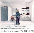 Boy  and frosen kitchen 72103229