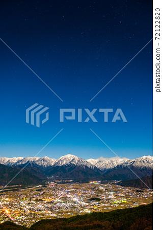 매 사냥 산에서 오 마치시와 알프스의 야경 (초겨울) 72122820