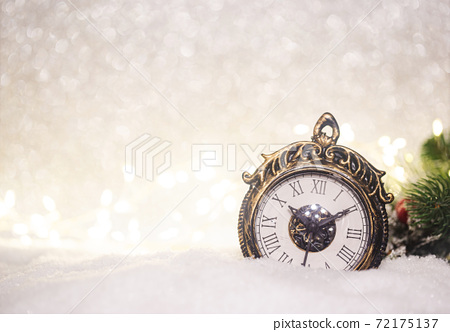 Christmas decoration with clock 72175137