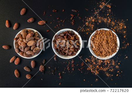 Cacao beans seeds, Cacao nibs and cacao powder. 72217620