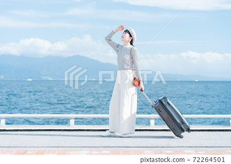 婦女去旅行 72264501