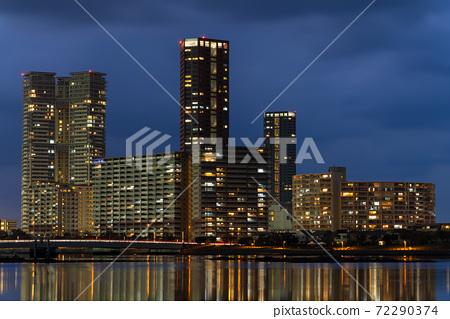 Fukuoka City Cityscape / Scenery Night View of Island City 72290374