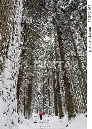 겨울의 파워 스포트 나가노 현 이이 야마시 코스 게 신사 72308465