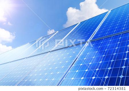 태양광 솔라 패널과 친환경 에너지 72314381
