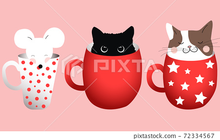 Composition of three cups with cats and a mice inside 72334567