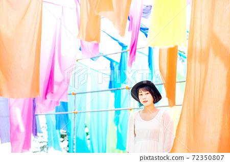 滋賀縣琵琶湖景山彩虹窗簾 72350807