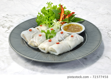 Fresh Vegetable Rice Wraps (Kauy Tiaw Lui Suan) 72377458