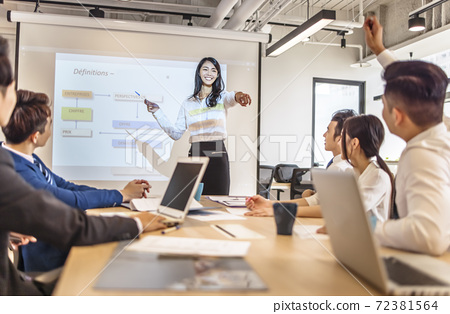 Business woman making  presentation in conference room 72381564