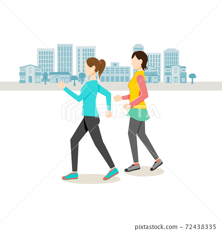 婦女在城市周圍散步 72438335