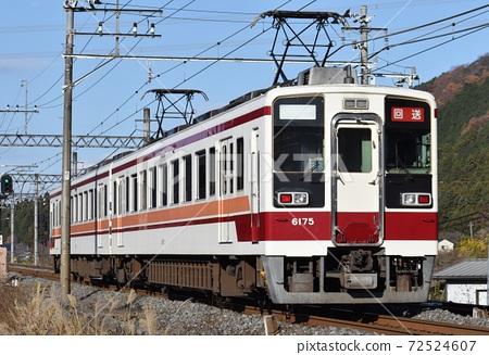 6050 series deadhead train going through Tobu-Nikko 72524607