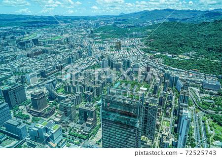 從台北101看的台北市容和藍天 72525743