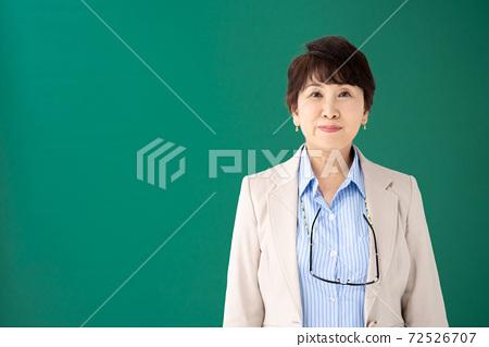 企業形象女經理 72526707