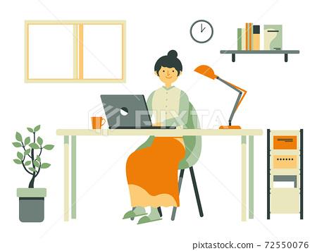 設計師女人在家工作 72550076