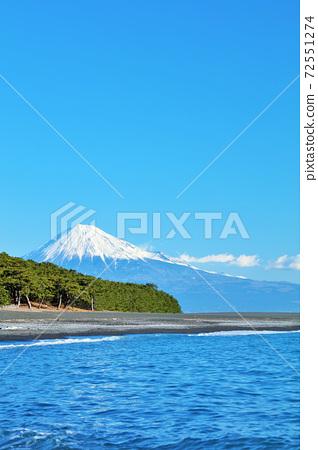 靜岡縣三保松原富士山和大海 72551274