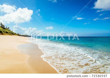 冲绳海滩 72580597