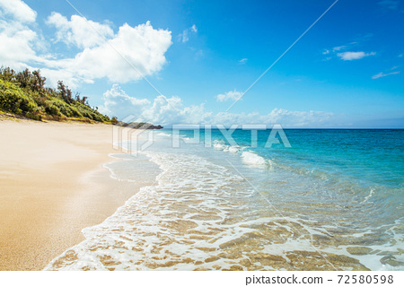 冲绳海滩 72580598