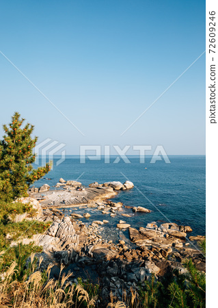 Seascape with rocks at Huhuam temple in Yangyang, Korea 72609246