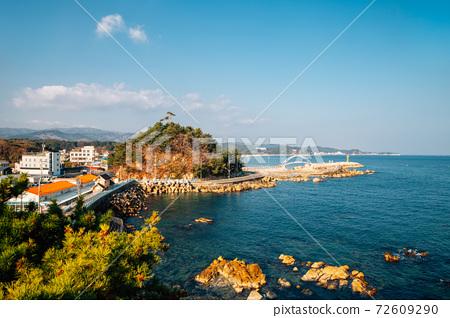 Panoramic view of Namae-hang seaside village in Yangyang, Korea 72609290