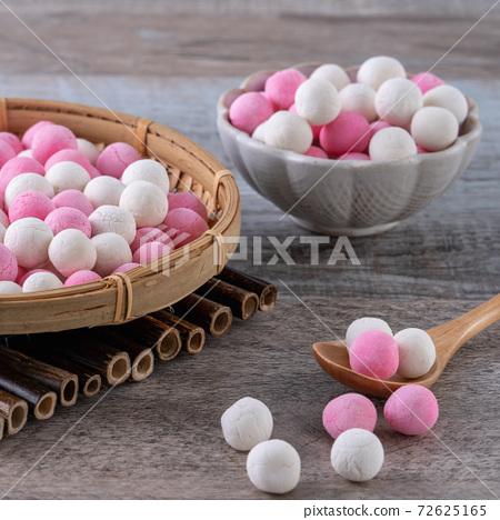元冬至元宵元晚紅緋紅白色粉彩唐元元宵 72625165