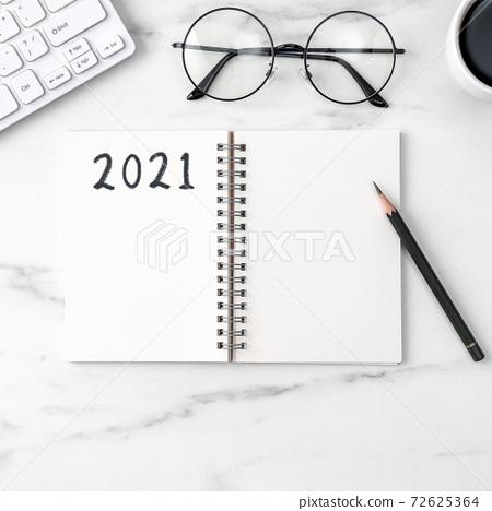 辦公室 筆記本 工作 2021 2020 office table desk オフィス ノート 72625364