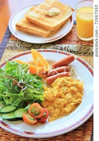아침 식사 · 간식 72667093