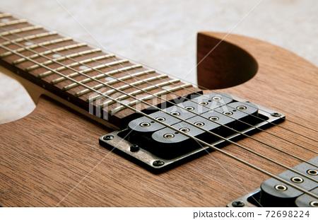 一把吉他 72698224