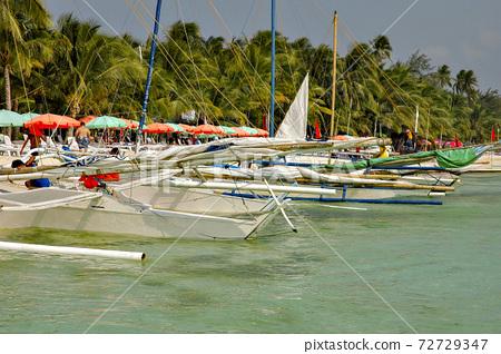 필리핀, 빠나야 섬의 일로 일로시의 해안 72729347