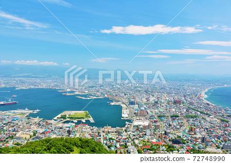 北海道藍天的函館 72748990