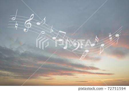 天空中的旋律 72751594
