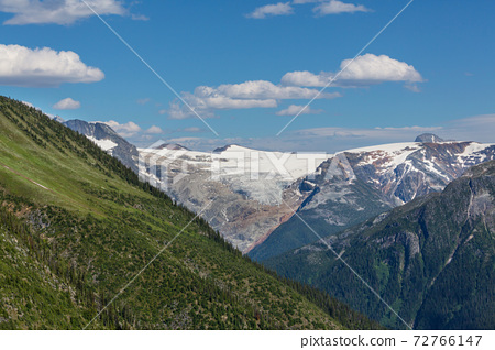 Mountains in Canada 72766147