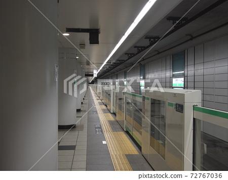 東京Metro千代田線無人站雙島站月台 72767036