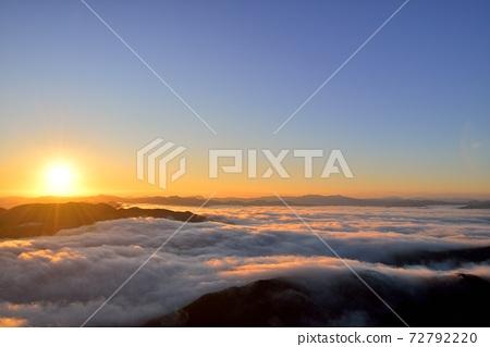 Sea of clouds in the Toyooka basin from Mt. Kuruhi 72792220