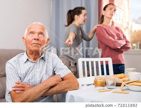 Bad domestic quarrel between family members at home 72811892