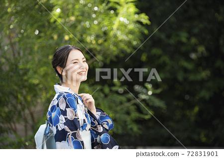 A woman in a yukata 72831901