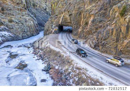 weekend traffic in mountain canyon 72832517