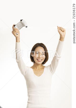 Beautiful women enjoying video games / women crazy about games / women introducing games 72836179