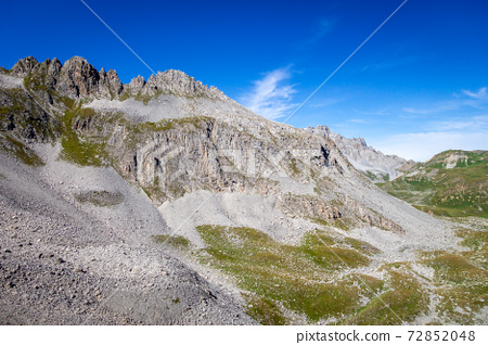 Mountain landscape and Mone Pass in Pralognan la Vanoise, French alps 72852048