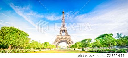 eiffel tour and Paris cityscape 72855451