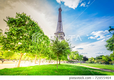 eiffel tour and Paris cityscape 72855464