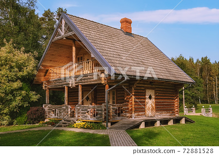 Wooden house in a rural area 72881528