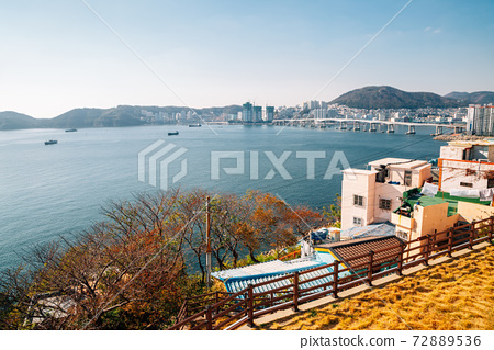 Panorama view of Huinnyeoul Culture Village and sea in Busan, Korea 72889536