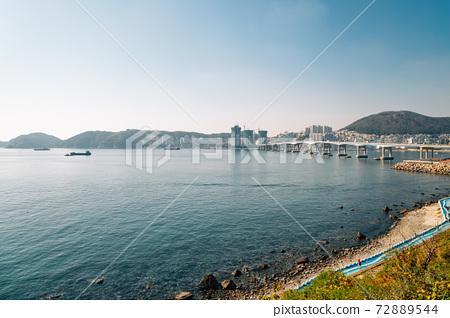 View of sea and bridge at Huinnyeoul Culture Village in Busan, Korea 72889544