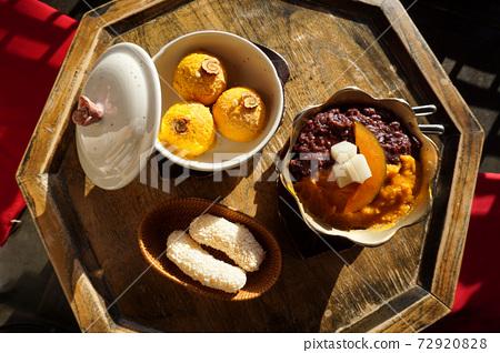 甜南瓜刨冰和甜南瓜冰淇淋 72920828