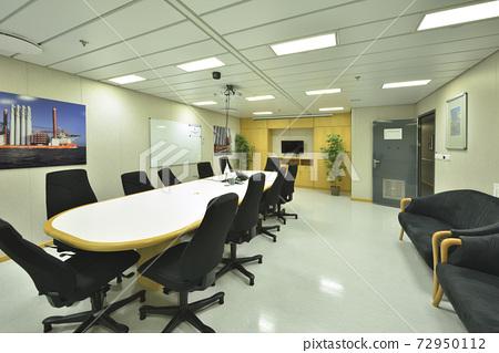 Office, meeting room, building interior, indoor 72950112