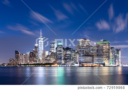 New York City midtown Manhattan cityscape on the East River 72959868