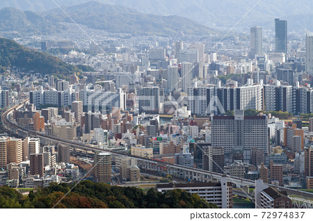 三滝山에서 바라본 늦가을 히로시마 상가 72974837
