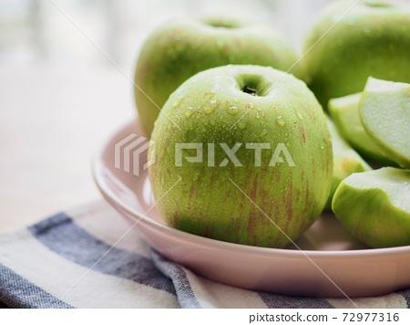 新鮮有機水果青蘋果 72977316