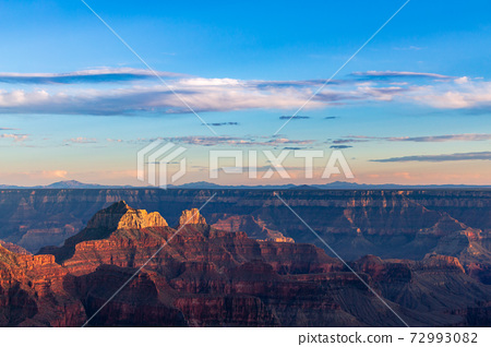 Sunset in the Grand Canyon with pretty clouds 72993082