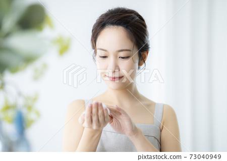 女性美容護膚品 73040949